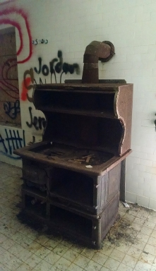 "This old stove was pretty awesome looking and also had grafiti next to it that said ""yo that is a dope stove!"" next to it, which I thought was hilarious, because it was true! But, for whatever reason, I failed at getting a real photo of the stove and graffiti."