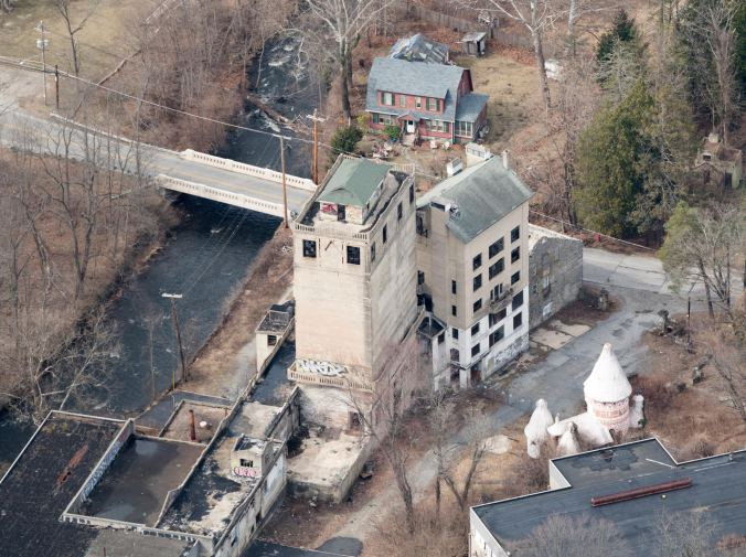 Thanks Daniel Spitzer for sending me this amazing aerial shot of the factory and castle!