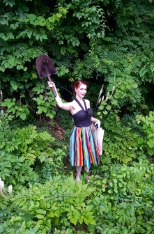 Darlene was the only other person who either wasn't allergic or just didn't give a shit about poison ivy and ventured into the overgrowth with me. Her reward? A shovel!